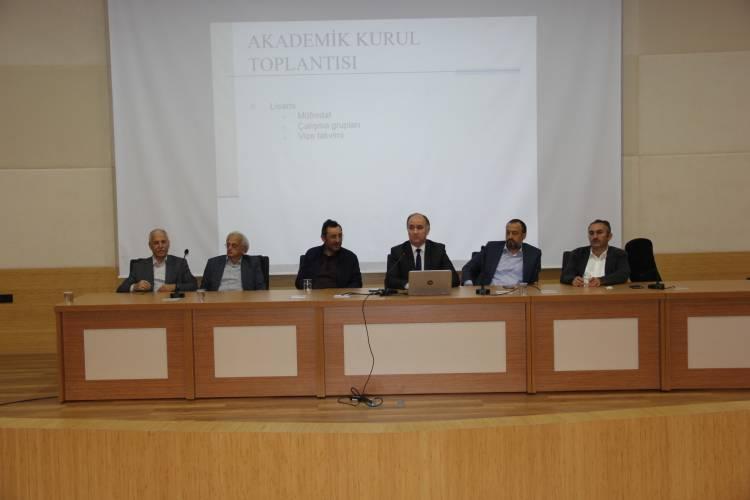Fakültemiz Akademik Kurul Toplantısı Gerçekleştirildi